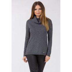 Golfy damskie: Sweter z golfem