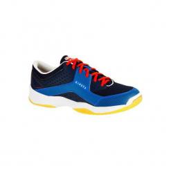 Buty męskie do siatkówki V100 niebieskie. Niebieskie buty do siatkówki męskie marki KIPSTA, z kauczuku. Za 99,99 zł.
