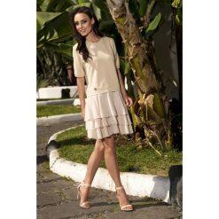 Zjawiskowa sukienka mini beżowy CATALINA. Brązowe sukienki balowe marki Lemoniade, na co dzień, z bawełny, z okrągłym kołnierzem, mini. Za 159,90 zł.