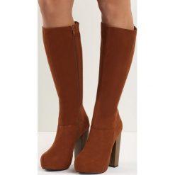 Camelowe Kozaki Bistr. Brązowe buty zimowe damskie marki Born2be, na wysokim obcasie, na platformie. Za 84,99 zł.