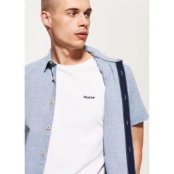 Koszula z kontrastową kieszonką - Niebieski. Szare koszule męskie marki House, l, z bawełny. Za 69,99 zł.