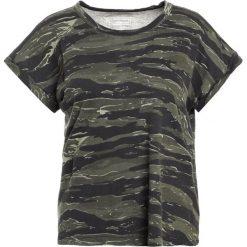Current/Elliott Tshirt z nadrukiem wave camo ringer. Brązowe t-shirty damskie Current/Elliott, z nadrukiem, z bawełny. W wyprzedaży za 455,40 zł.