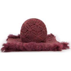 Komplet czapka + komin 87-SF-005-2. Brązowe czapki zimowe damskie marki Wittchen, na zimę, z dzianiny. Za 209,00 zł.