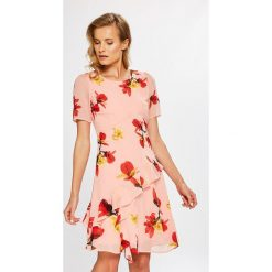 Vero Moda - Sukienka. Szare sukienki mini marki Vero Moda, na co dzień, s, z poliesteru, casualowe, z okrągłym kołnierzem, rozkloszowane. W wyprzedaży za 129,90 zł.