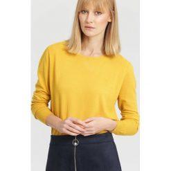 Swetry klasyczne damskie: Żółty Sweter Importance
