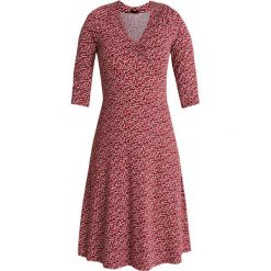 Vive Maria FALLING IN LOVE DRESS Sukienka z dżerseju red. Czerwone sukienki z falbanami marki Vive Maria, l, z dżerseju. Za 379,00 zł.