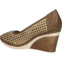 CZÓŁENKA VINCEZA R14-D-P-192. Brązowe buty ślubne damskie Casu, na koturnie. Za 69,99 zł.