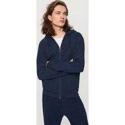 Rozpinana bluza z kapturem - Granatowy. Niebieskie bluzy męskie rozpinane marki bonprix, m, melanż. Za 139,99 zł.