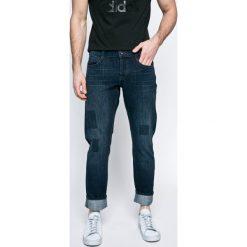Mustang - Jeansy Oregon. Czarne jeansy męskie z dziurami marki Mustang, l, z bawełny, z kapturem. W wyprzedaży za 159,90 zł.