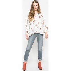 Lee - Jeansy Elly. Niebieskie jeansy damskie rurki marki Sinsay, z podwyższonym stanem. W wyprzedaży za 249,90 zł.