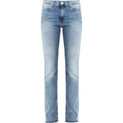 Tommy Jeans MID RISE STRAIGHT BOOTCUT TJ 1979 Jeansy Bootcut fraser light blue stretch. Niebieskie jeansy damskie bootcut Tommy Jeans. Za 449,00 zł.