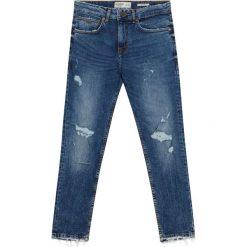 Niebieskie jeansy slim comfort fit. Niebieskie jeansy męskie relaxed fit Pull&Bear, z denimu. Za 89,90 zł.