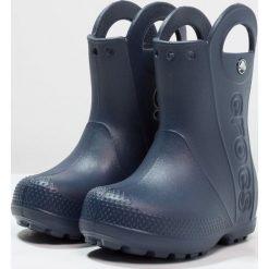 Crocs HANDLE IT RAIN BOOT KIDS Kalosze navy. Różowe buty zimowe damskie marki Crocs, z materiału. Za 129,00 zł.