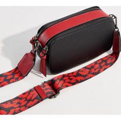 Mini torebka na ramię - Czarny. Czerwone torebki klasyczne damskie marki Mohito, z bawełny. Za 89,99 zł.