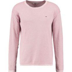 Tommy Jeans WAFFLE Sweter violet ice. Czerwone kardigany męskie Tommy Jeans, m, z bawełny. W wyprzedaży za 359,20 zł.