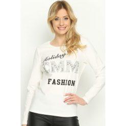 Biała Bluzka Fashion Holidays. Białe bluzki asymetryczne Born2be, l, z nadrukiem, z okrągłym kołnierzem, z długim rękawem. Za 34,99 zł.