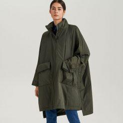 Przeciwdeszczowy płaszcz ReDesign - Khaki. Brązowe płaszcze damskie marki DOMYOS, xs, z bawełny. Za 499,99 zł.