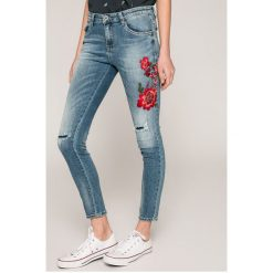 Haily's - Jeansy. Niebieskie jeansy damskie rurki Haily's, z bawełny, z obniżonym stanem. W wyprzedaży za 129,90 zł.