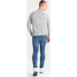 Only & Sons ONSLOOM  Jeans Skinny Fit light blue denim. Niebieskie jeansy męskie marki Only & Sons. W wyprzedaży za 135,20 zł.
