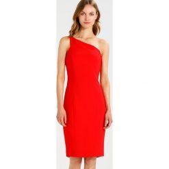 Sukienki hiszpanki: Karen Millen ONE SHOULDER ANGLED COLLECTION Sukienka etui red