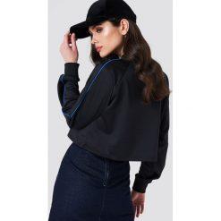Bluzy rozpinane damskie: NA-KD Urban Krótka bluza sportowa - Black