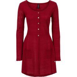 Długi sweter rozpinany bonprix ciemnoczerwony. Czerwone kardigany damskie bonprix, z dzianiny. Za 59,99 zł.