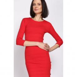 Czerwona Sukienka Had My Cake. Czerwone sukienki dzianinowe marki KALENJI, z krótkim rękawem, krótkie. Za 99,99 zł.