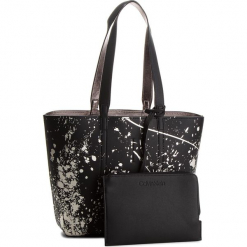 Torebka CALVIN KLEIN - Inside Out Med Shopp K60K604378 903. Czarne torebki klasyczne damskie Calvin Klein, ze skóry ekologicznej, duże. Za 599,00 zł.