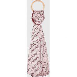 Calvin Klein - Szal. Szare szaliki damskie marki Calvin Klein, z materiału. Za 199,90 zł.