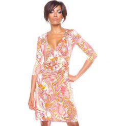 """Sukienki hiszpanki: Sukienka """"Valence"""" w kolorze koralowym ze wzorem"""