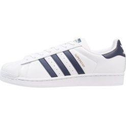 Adidas Originals SUPERSTAR Tenisówki i Trampki footwear white/collegiate navy. Białe tenisówki damskie marki adidas Originals, z materiału. Za 399,00 zł.