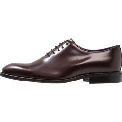 Azzaro WAYER Eleganckie buty bordeaux. Czerwone buty wizytowe męskie Azzaro, z materiału, na sznurówki. Za 629,00 zł.
