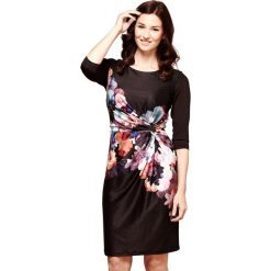 Długie sukienki: Prosta, krótka sukienka w kwiatki, długi rękaw