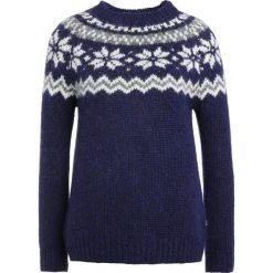 Swetry klasyczne damskie: Barbour HARRIET JUNKY Sweter deep blue