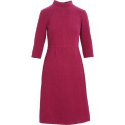 Fioletowa Sukienka Chorus. Fioletowe sukienki marki Born2be, na jesień, l, midi. Za 59,99 zł.