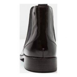 Base London CHESHIRE Botki black. Czarne sztyblety męskie Base London, z materiału. W wyprzedaży za 344,25 zł.