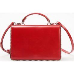 Torebka w stylu retro - Czerwony. Czerwone torebki klasyczne damskie marki Reserved, duże. Za 119,99 zł.
