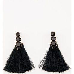 Kolczyki damskie: NA-KD Party Wysadzane diamentami kolczyki z chwostem - Black