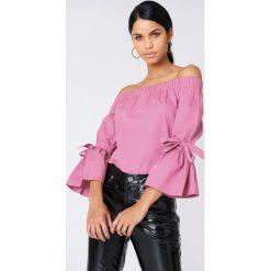 NA-KD Sukienka z odkrytymi ramionami - Pink. Niebieskie sukienki na komunię marki Reserved, z odkrytymi ramionami. Za 40,95 zł.