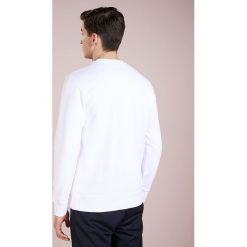 J.LINDEBERG THROW RING LOOP  Bluza white. Białe bluzy męskie J.LINDEBERG, m, z bawełny. Za 459,00 zł.