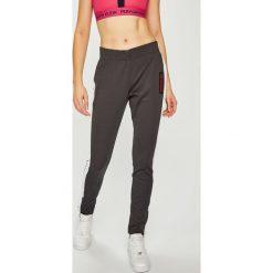 Calvin Klein Performance - Legginsy. Szare legginsy sportowe damskie Calvin Klein Performance, l, z bawełny. Za 399,90 zł.