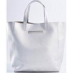 Kosmetyczki damskie: Duża torba shopper z kosmetyczką - Srebrny