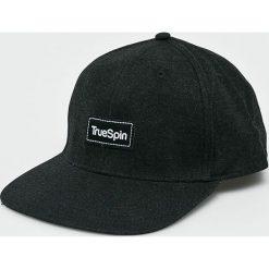 True Spin - Czapka Decent. Czarne czapki z daszkiem męskie True Spin. W wyprzedaży za 49,90 zł.