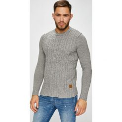 Jack & Jones - Sweter. Szare swetry klasyczne męskie Jack & Jones, m, z bawełny, z okrągłym kołnierzem. W wyprzedaży za 149,90 zł.