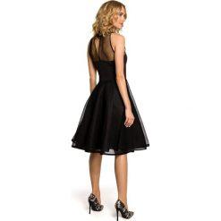 DAISY Wieczorowa sukienka z tiulowym dekoltem - czarna. Czarne sukienki koktajlowe Moe, z tiulu, dopasowane. Za 169,00 zł.