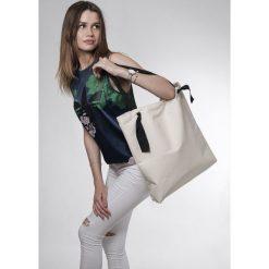 Torba White Ribbon. Białe torebki klasyczne damskie Pakamera, z bawełny. Za 119,00 zł.