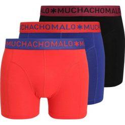 MUCHACHOMALO MEN SOLID 3 PACK Panty multicolor. Czerwone bokserki męskie MUCHACHOMALO, z bawełny. W wyprzedaży za 224,10 zł.