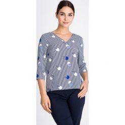 Bluzka w paski i kropki QUIOSQUE. Szare bluzki z odkrytymi ramionami QUIOSQUE, uniwersalny, w geometryczne wzory, z tkaniny, klasyczne, z dekoltem w serek. W wyprzedaży za 96,00 zł.