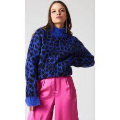 NA-KD Oversizowy sweter Leo - Blue,Multicolor. Niebieskie swetry klasyczne damskie NA-KD, z dzianiny. Za 202,95 zł.