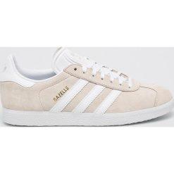 Adidas Originals - Buty Gazelle. Szare buty sportowe damskie adidas Originals, z materiału. W wyprzedaży za 349,90 zł.
